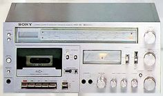 2246_item_pict_big_sony_hst-49_b.jpg (525×311) - Sony HST-49 - an example of the highly-capable integrated music systems that had the abilities of a baseline component system - this time as a casseiver with that classic front-panel style.