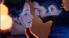 Khushi and Arnav (Sanaya Irani & Barun Sobti in IPKKND) 1 more almost kiss hotwaa!