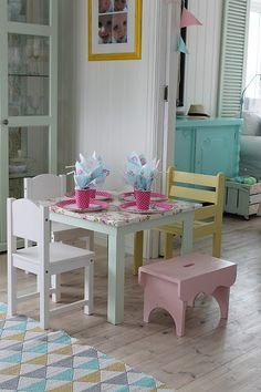 Huset ved fjorden: pink bench