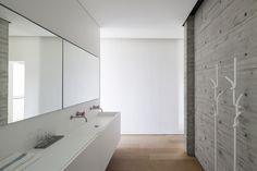SB House   Pitsou Kedem Architects   Tel Aviv-Yafo   Israel   2014   Board Form Concrete   Bathroom