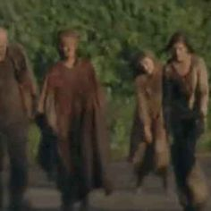 """The 18 Most Exhilarating Moments From """"The Walking Dead"""" Season 5 Premiere"""