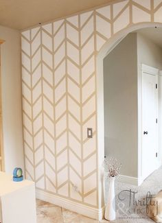 Accent wall patterns herringbone pattern on wall thrifty and chic projects and home decor painters tape Diy Wand, Herringbone Wall, Herringbone Pattern, Küchen Design, Layout Design, House Design, Design Ideas, Design Hotel, Pattern Design