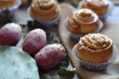 Rose di brioches con marmellata di fichidindia