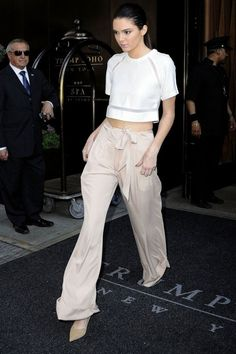 330a53ffcfd8 10 Super-Chic Palazzo Pant Outfit Ideas. Trouser OutfitsPants OutfitCool  Summer ...
