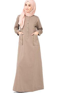 Silk Route Winter Jilbab Casual Abaya Padded Sleeves Silk Route Calm Desert Jilbab Lässige Abaya This image has get Turkish Fashion, Islamic Fashion, Muslim Fashion, Modest Fashion, Fashion Outfits, Muslim Dress, Hijab Dress, Hijab Outfit, Couture