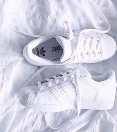 White Adidas Superstar Originals - Adidas White Sneakers - Latest and fashionable shoes - White Adidas Superstar Originals Cute Shoes, Me Too Shoes, Adidas Sneakers, Shoes Sneakers, Adidas Shoes White, Gold Adidas, Black Adidas, Black Nikes, All White Sneakers