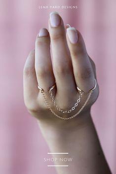 Diamond Bar Stud Earrings in Solid Gold / Rose Gold Diamond Bar Stud Earrings / Dainty Minimal Diamond Earrings / Valentines Day - Fine Jewelry Ideas Fancy Jewellery, Stylish Jewelry, Cute Jewelry, Jewelry Accessories, Jewelry Design, Girls Jewelry, Jewelry Trends, Vintage Jewelry, Women Jewelry