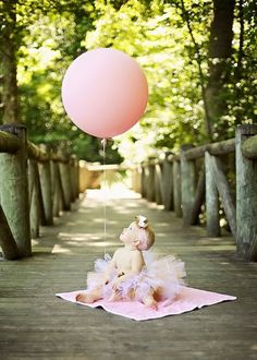 29 ideas baby photography girl 1 year black white for 2019 1st Birthday Photoshoot, Baby Girl 1st Birthday, 1st Birthday Pictures, First Birthday Photos Girl, First Birthday Balloons, Birthday Ideas, First Birthday Photography, First Year Pictures, First Year Birthday
