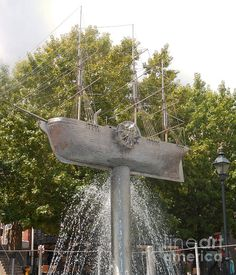 Ship Fountain in Savannah Georgia - Sherry Dooley
