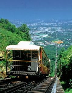 The Chattanooga Incline Railway climbs up an astounding grade from St. Elmo Station almost a mile to Lookout Mountain Station. The railway is the steepest passenger railway in the world! Crossed off my bucket list! Salt Lake City, Dream Vacations, Vacation Spots, Vacation Places, Vacation Destinations, Vacation Ideas, Places To Travel, Places To See, Wonderful Places