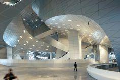 Coop Himmelblau:大連国際会議センター