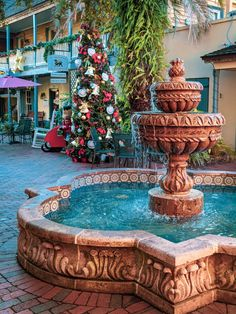 St Augustine is filled with amazing history, delicious food, and exciting adventures! Here are the best things to do in 3 days in Americas Oldest City! Holiday Lights, Holiday Fun, Florida Oranges, City Pass, Girls Weekend, African American History, Old City, Weekend Getaways, Day Trips