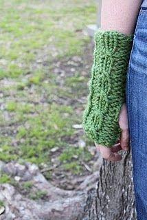 chunky gloves, free crochet pattern