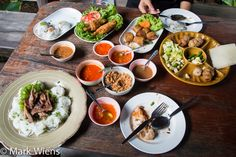 One of the most famous restaurants in Khon Kaen is Nam Nuong Lablae (แหนมเนืองลับแล), which serves Thai Vietnamese food.