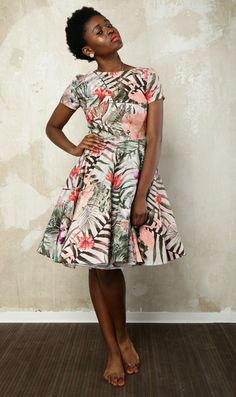 Sommerliches Kleid mit tropischem Print im 50er Jahre Stil / rockabilly dress with swinging skirt and tropical print made by HerrSchneiderShop via DaWanda.com