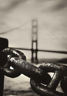 Chaine and famous bridge
