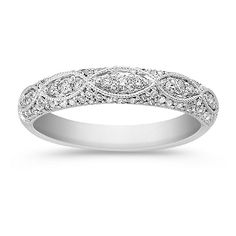 This vintage-inspired wedding band from @shanecompany has the feel of a family heirloom!