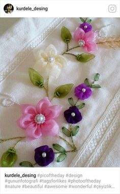 Wonderful Ribbon Embroidery Flowers by Hand Ideas. Enchanting Ribbon Embroidery Flowers by Hand Ideas. Ribbon Embroidery Tutorial, Silk Ribbon Embroidery, Hand Embroidery Designs, Floral Embroidery, Embroidery Patterns, Ribbon Art, Ribbon Crafts, Flower Crafts, Embroidery Techniques