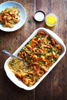 Garlic Butter Shrimp and Quinoa by pinchofyum: Tender, juicy, light and buttery. 332 calories, 30 minutes #Quinoa #Shrimp #Healthy #Fast