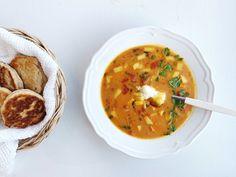 Linsesuppe med høstens grønnsaker — FAMILIEMAT Mango, Ethnic Recipes, Food, Cilantro, Manga, Essen, Yemek, Meals