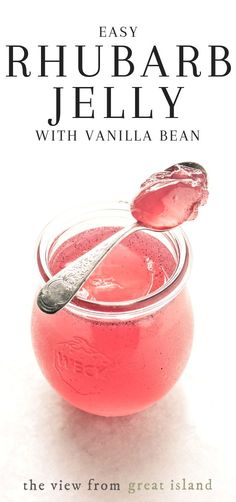 Rhubarb & Vanilla & Bean Jelly ~ This vanilla bean speckled rhubarb jelly transforms morning toast or a peanut butter / jelly sandwich into a gourmet treat. Rhubarb & Vanilla & Bean Jelly ~ This vanilla bean speckled rhubarb jelly transforms morning Rhubarb Jelly, Rhubarb Vanilla Jam, Rhubarb Freezer Jam, Rhubarb Preserves, Rhubarb Curd, Rhubarb Chutney, Salsa Dulce, Homemade Jelly, Homemade Detox