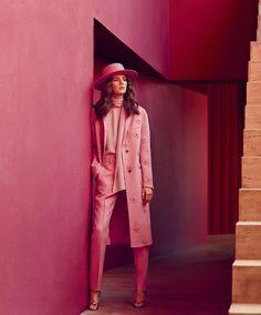 Bright ideas: Valery Kaufman in La Muralla Roja by Daniel Riera for Harper´s Bazaar US September 2016 #pink #stylism #boldcolors
