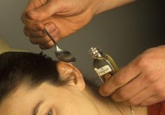 Prosta sztuczka pozwoli Ci usunąć przebarwienia ze skóry. Ta 2-składnikowa mieszanka czyni cuda Very Short Bangs, Pixie Cut With Bangs, Home Remedies, Natural Remedies, Infection Fongique, Tinnitus Symptoms, Cognitive Behavioral Therapy, Medical Conditions, Healthy Hair