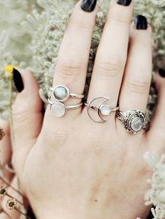 Moondancer Ring Moonstone Silver – Shop Dixi
