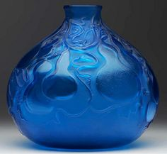 RENE LALIQUE Courges vase of electric blue glass