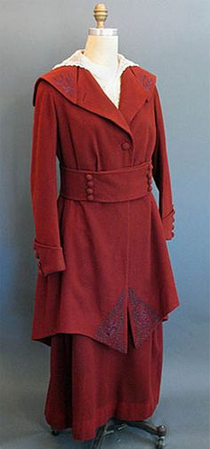 1915 cranberry wool suit from Jordan Marsh Co  - Courtesy of  pastperfectvintage.com