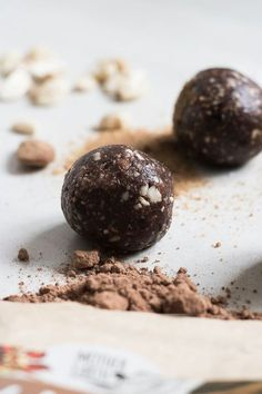 """& die for& Raw Balls. The high quality raw cacao and the dead sea salt is what makes this ball """"To die for"""". Simple and delicious with only 7 ingredients! Healthy Sweets, Healthy Snacks, Sweets Recipes, Cooking Recipes, Raw Balls, Raw Desserts, Raw Chocolate, Raw Cacao, Raw Vegan Recipes"""