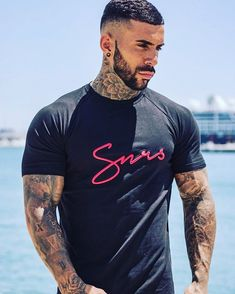 Black Script Tee / 3D embroidered chest logo Male Models Tattoo, Short Hair Cuts, Short Hair Styles, Carter Reynolds, Gents Hair Style, Hot Guys Tattoos, Beard Game, Beautiful Men Faces, Great Beards