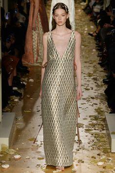 Valentino Haute couture Spring/Summer 2016 Fashion Show