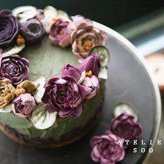 ㅡ 유독 꽃향기가날것같은 케익이었다  ㅡ  Wilton color  #flower #cake #wilton #wiltoncakes #partycake #buttercreamcake #piony #flowercake #soocake #weddingcake #플라워케익 #꽃스타그램 #작약 #버터크림플라워케이크 #베이킹클래스 #플라워케익클래스 #플라워케이크 #케이크 #생일케익 #수케이크 #청담동케익  www.soocake.com vkscl_energy@naver.com