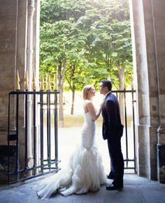 Couple at Palais Royal yolanda villagran photography