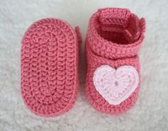 Crochet baby shoes Baby girl shoes Newborn gifts by yarncraftstore