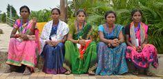 पुरखौती मुक्तांगन पहुंचे दंतेवाड़ा जिले के पंचायत प्रतिनिधियों ने प्रदेश की लोक संस्कृति का अवलोकन किया. पुरखों की धरोहर, प्रदेश की लोक संस्कृति, आमचो गाँव में बस्तर की जनजातीय आदिवासी जीवनशैली की जीवंत मूर्ति कला को देखना अद्भुत अनुभव था. यहाँ कलाकारों ने छत्तीसगढ़ी गीत एवं नृत्य पेश किया