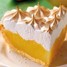 lemon meringue pie with thermomix, here is a simple and delicious recipe for making a pie with thermomix at home. Lemon Dessert Recipes, Köstliche Desserts, Tart Recipes, Lemon Meringue Tart, Lemon Curd Filling, Meringue Pie, Banoffee Pie, Easy Home Recipes, Pastry Cook
