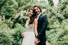 A stunning art garden in the Hamptons, which only hosts a handful of weddings per year, was just the right place for this gorgeous duo, Teresa + Aaron, to celebrate their love and say their I Dos. As a working model, Teresa, who has connections to some of the best designers in the business, knew she wanted a lightweight...