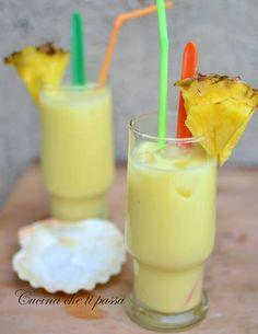 Un cocktail fresco, buono e ricco di vitamine perfett Cocktails, Cocktail Drinks, Thomas Henry Spicy Ginger, Mojito, Vanilla Milkshake, Antipasto, Food Crafts, Sangria, Clean Eating Snacks