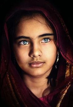 Face / Portrait/ the eyes! Pretty Eyes, Cool Eyes, Beautiful World, Beautiful People, Stunning Eyes, Interesting Faces, Beautiful Children, People Around The World, Belle Photo