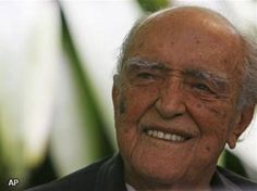 Brazilian Architect Oscar Niemeyer in 2007 when he completed 100 years. People, Image, Icons, Einstein, Chairs, Spaces, Box, Pageants, Rio De Janeiro