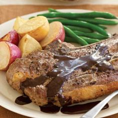 Pepper-Crusted Lamb Chops with Chocolate Port Sauce #Tastebudladies  #Lambchops
