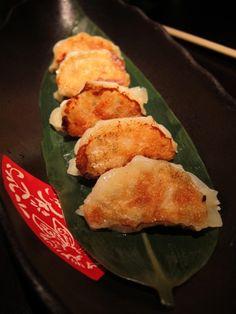 龍蝦及甜蝦紫蘇餃子 Chicken, Meat, Food, Beef, Meals, Yemek, Cubs, Eten