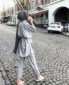 Hijab Fashion Summer, Modest Fashion Hijab, Modern Hijab Fashion, Street Hijab Fashion, Casual Hijab Outfit, Hijab Fashion Inspiration, Hijab Chic, Muslim Fashion, Mode Inspiration
