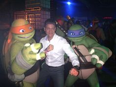AUSTRALIA! ZURU's international sales manager Daniel Cardon partied on down with the Teenage Mutant Ninja Turtles at Nickelodeon's TMNT Party at the Australian Toy Association's annual toy fair!