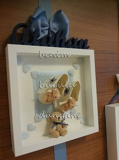 atahan-bebek-converce-temali-lacivert-beyaz-yildizli-ayicikli-bebek-dogum-odasi-kapi-susu Baby Boy Room Decor, Baby Boy Rooms, Hospital Door Hangers, Baby Door, Neuer Job, Hospital Room, Ceramic Clay, Shadow Box, New Baby Products