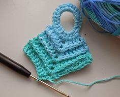 35 Ideas For Knitting Dishcloth Potholders Potholder Patterns, Dishcloth Knitting Patterns, Crochet Potholders, Crochet Dishcloths, Crochet Stitches Patterns, Crochet Mask, Hand Crochet, Crochet Kitchen, Crochet Home