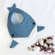 Dolphin style, # Dolphin style sewing baby sewing clothes sewing for beginners sewing gifts sewing projects Baby Sewing Projects, Sewing For Kids, Sewing Crafts, Baby Bibs Patterns, Sewing Patterns, Diy Baby Bibs Pattern, Handgemachtes Baby, Bib Pattern, Baby Crafts