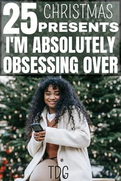 These are the Christmas gift ideas women actually want. 25 of the best Christmas gift ideas for her to enjoy this Christmas. You will not believe how incredibly amazing these simple Christmas gift ideas for her are. #christmas #christmasgiftideas #christmasgiftideasforher Small Christmas Gifts, Teenage Girl Gifts Christmas, Simple Christmas, All Things Christmas, Christmas Presents, College Girls, Beautiful, Xmas Gifts, Christmas Gifts